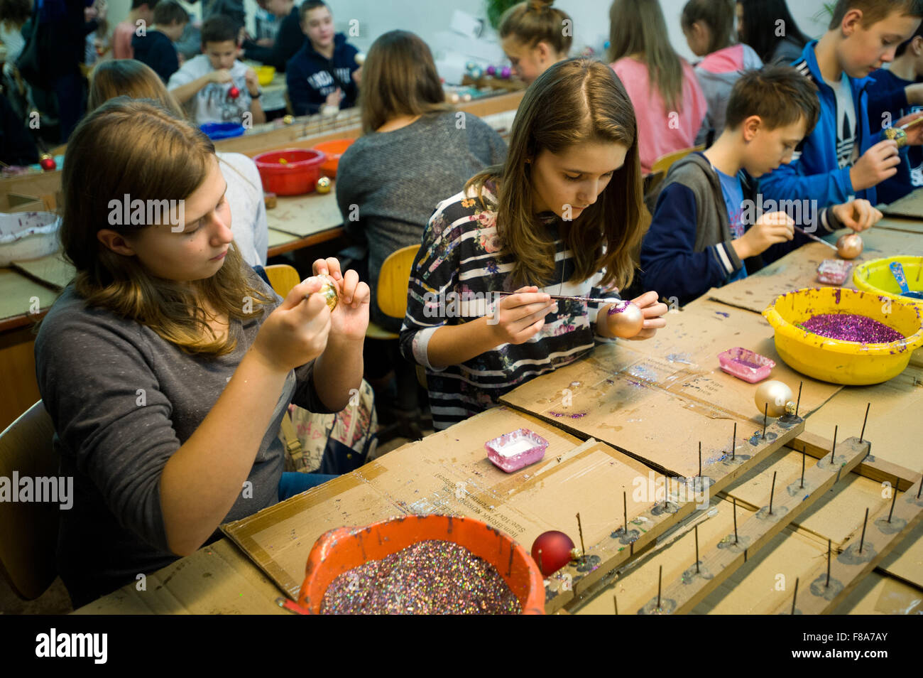 Piotrkow Trybunalski, Poland. 7th December, 2015. School youth had an opportunity to visit 'Szkło-Decor' - Stock Image