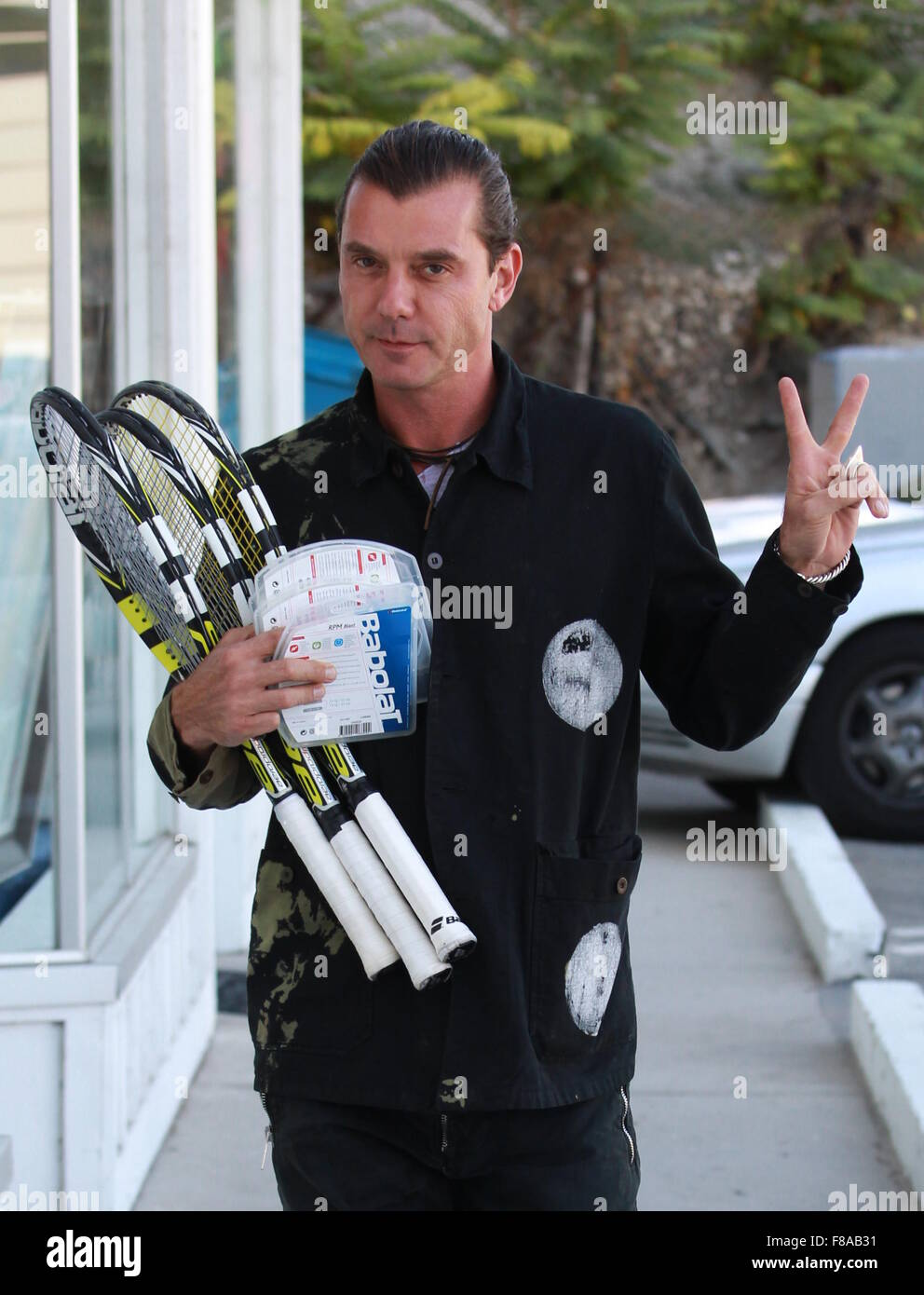 Gavin Rossdale Arrives At A Tennis Class Wearing His Wedding Ring Despite  Splitting From Gwen Stefani