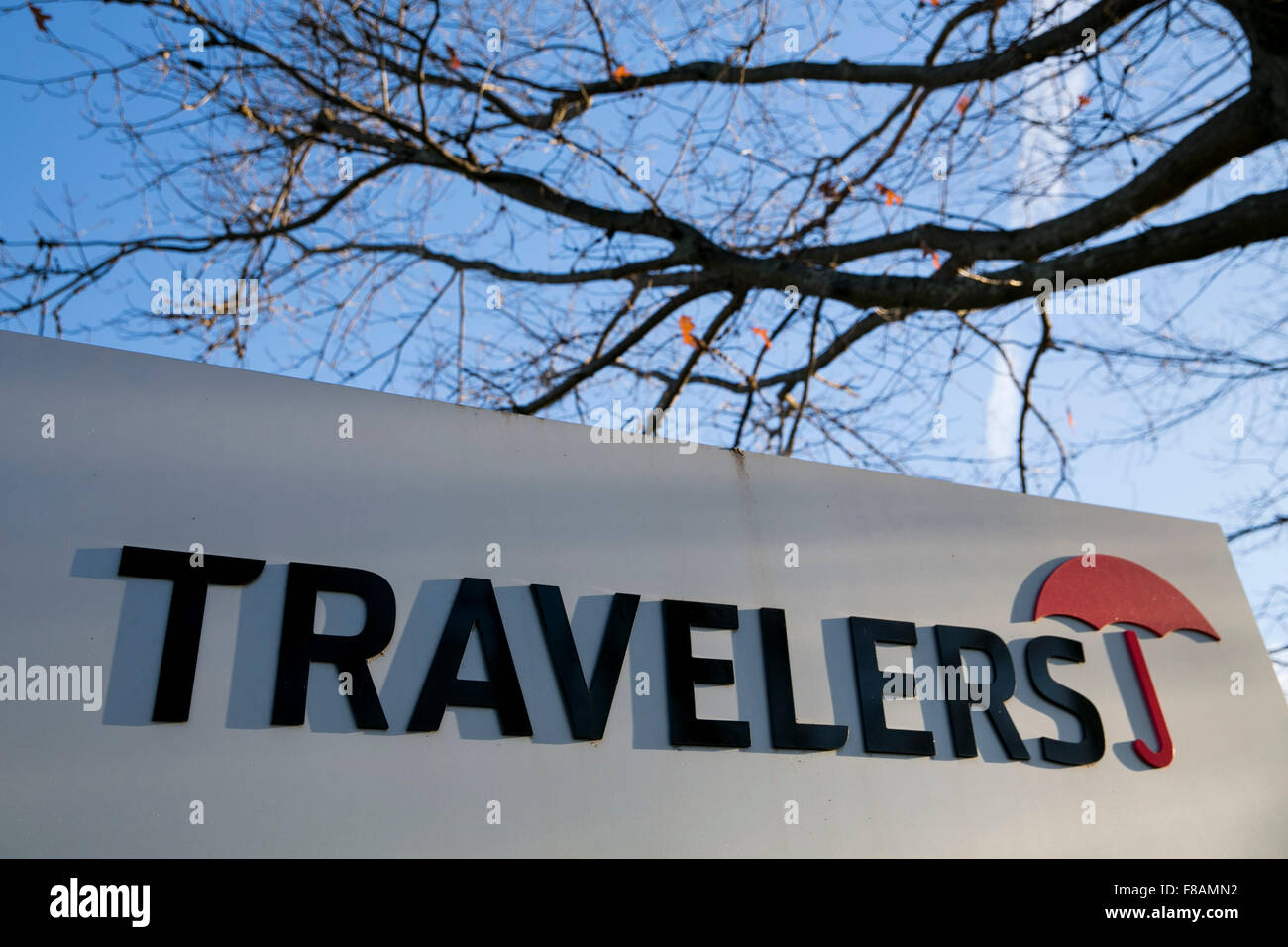 A logo sign outside of a facility occupied by The Travelers Companies in Windsor, Connecticut on November 21, 2015. - Stock Image
