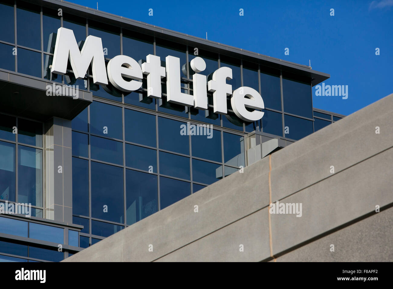 A logo sign outside of a facility occupied by MetLife, Inc., in Cary, North Carolina on November 29, 2015. - Stock Image