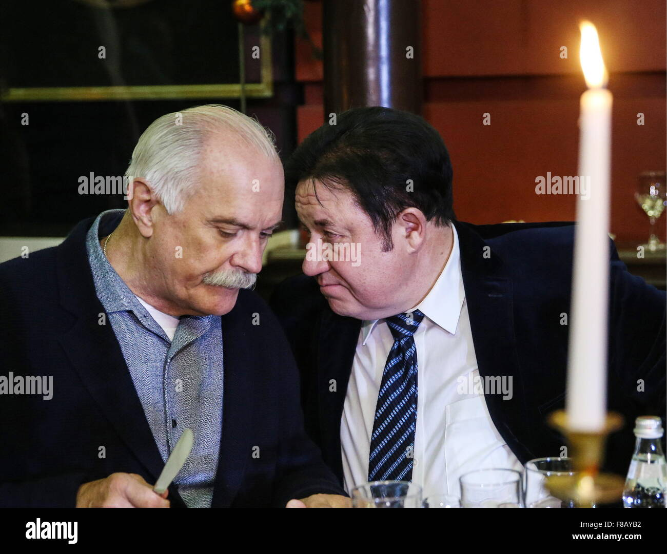 Moscow, Russia. 8th Dec, 2015. Russian film director Nikita Mikhalkov (L) and Alexander Mitroshenkov, President - Stock Image