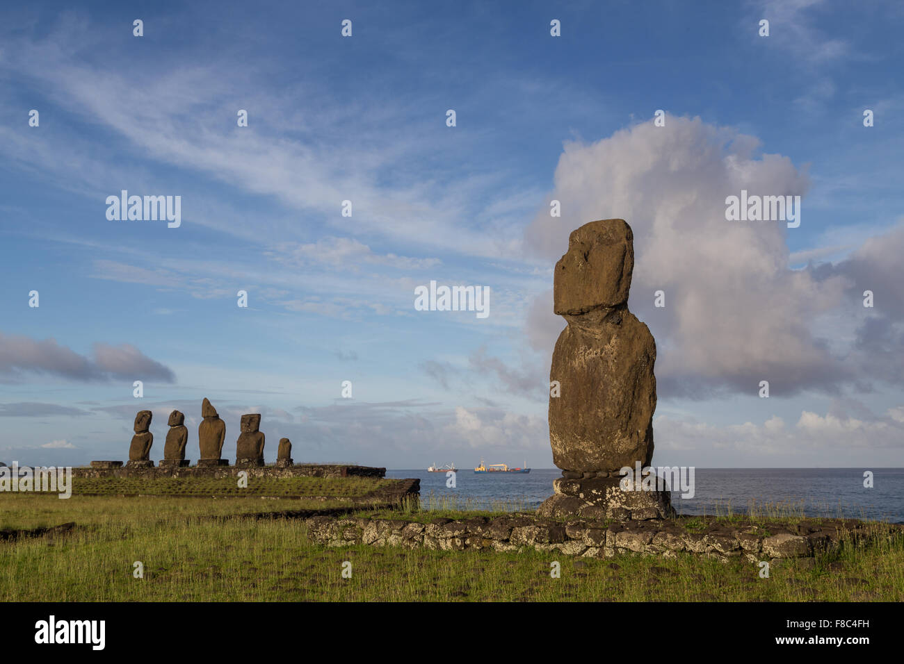 Photograph of the moais at Ahu Tahai on Easter Island in Chile in morning light. - Stock Image