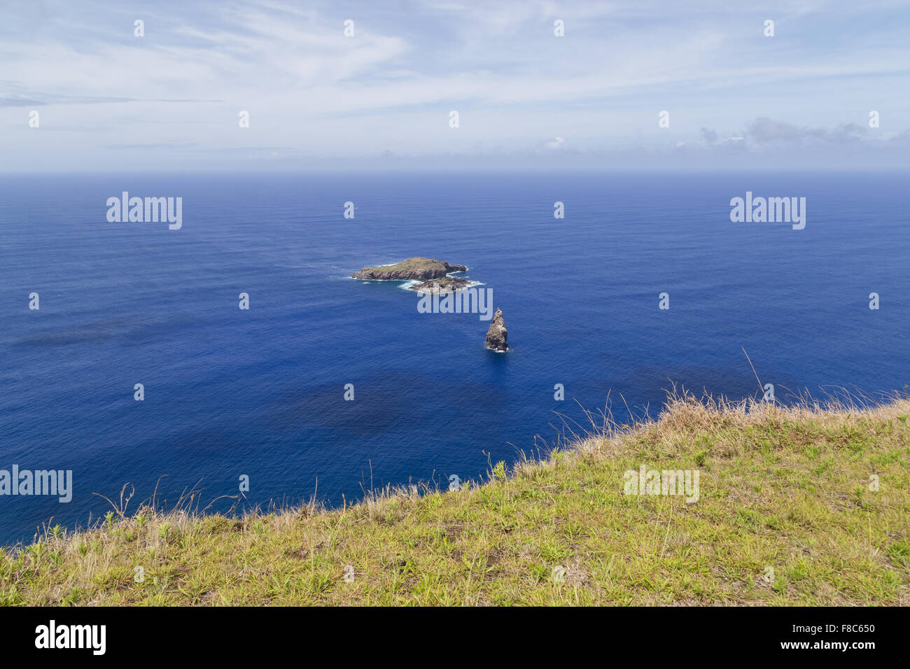 Photograph of the Birdman Islands in front of Easter Island - Stock Image