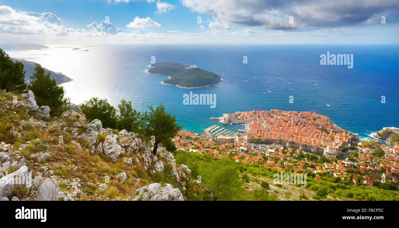 Elevated view to Dubrovnik old town, Croatia - Stock Image