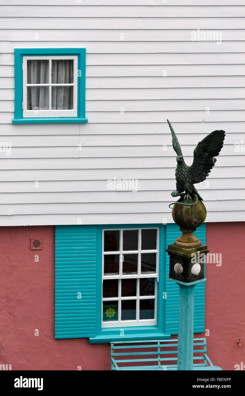 Eagle statue at Portmeirion, the village in North Wales that featured as 'The Village' in 'The 'Prisoner' - Stock Image