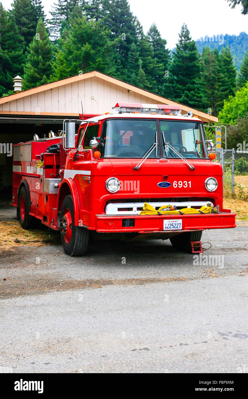 Myers Flat Fire Department 1960s Ford C850 truck - Stock Image