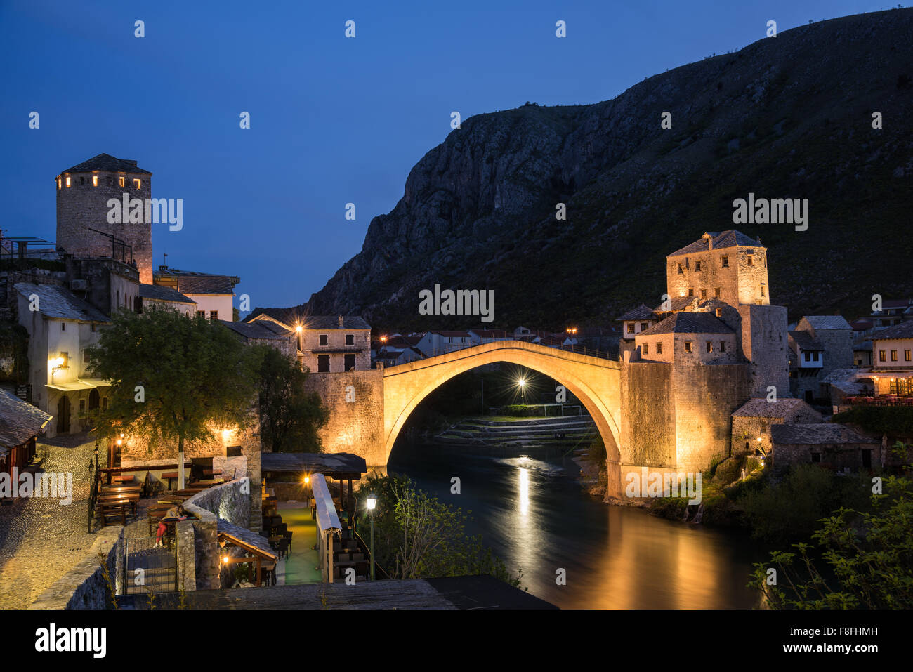 The Old Bridge in Mostar at night, Bosnia and Herzegovina - Stock Image