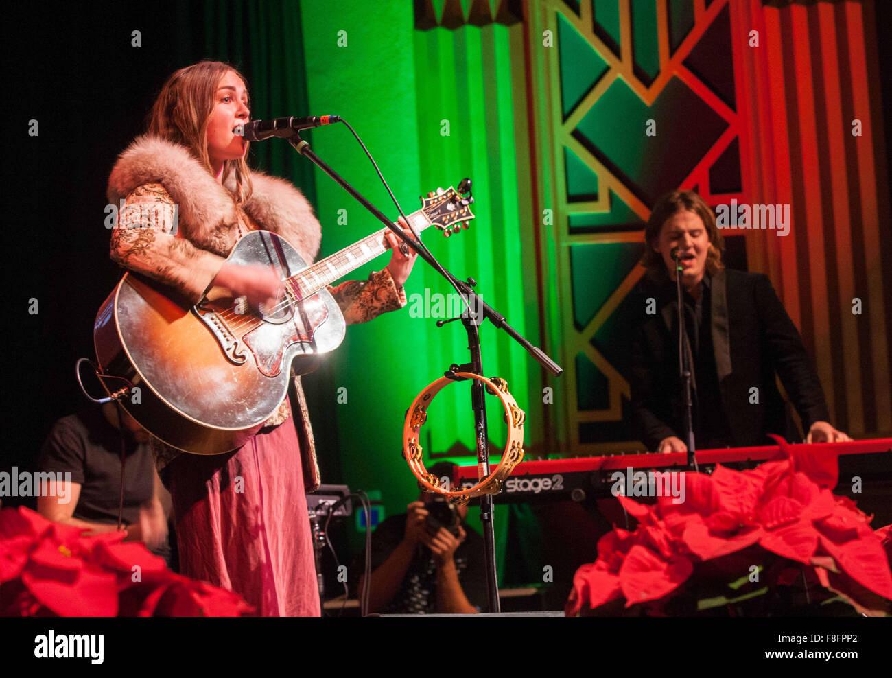 Iheart Christmas.Modesto Ca Usa 8th Dec 2015 Iheart Radio B93 Acoustic