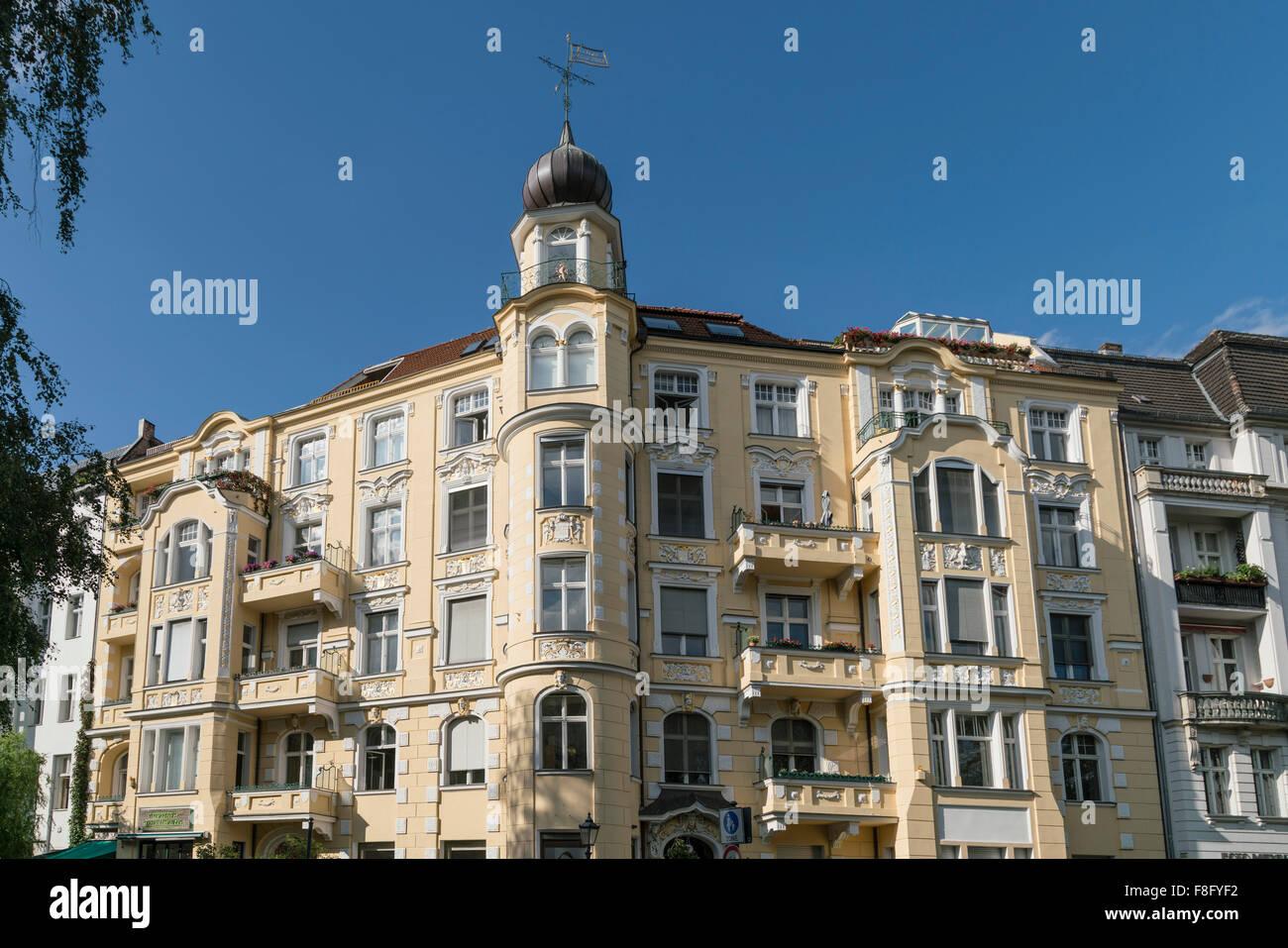 Real Estate, refurbished apartment house,  Victoria Luise Platz, Schoeneberg, Berlin - Stock Image