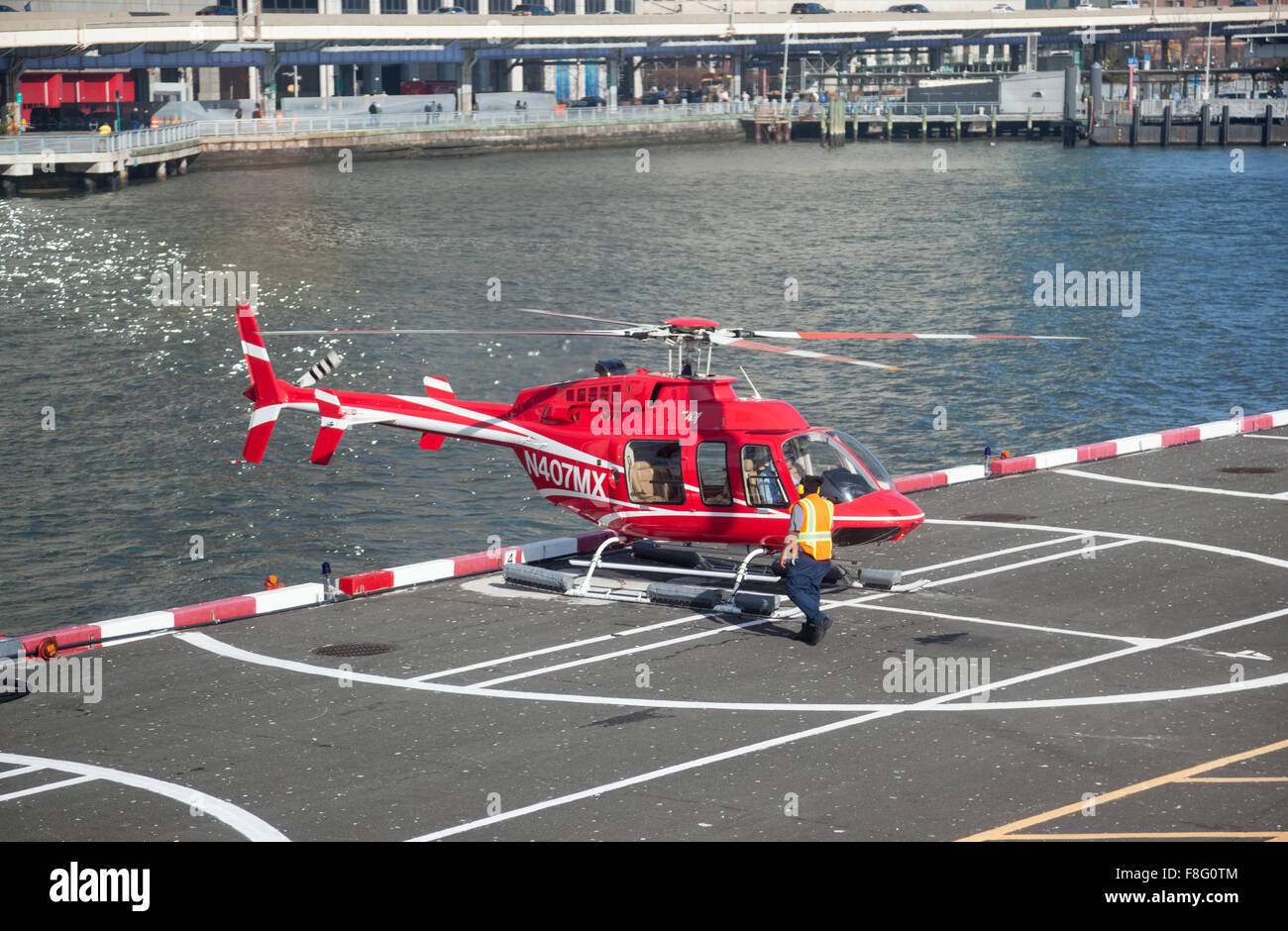 New York Helicopter flights from Downtown Manhattan Heliport - Stock Image