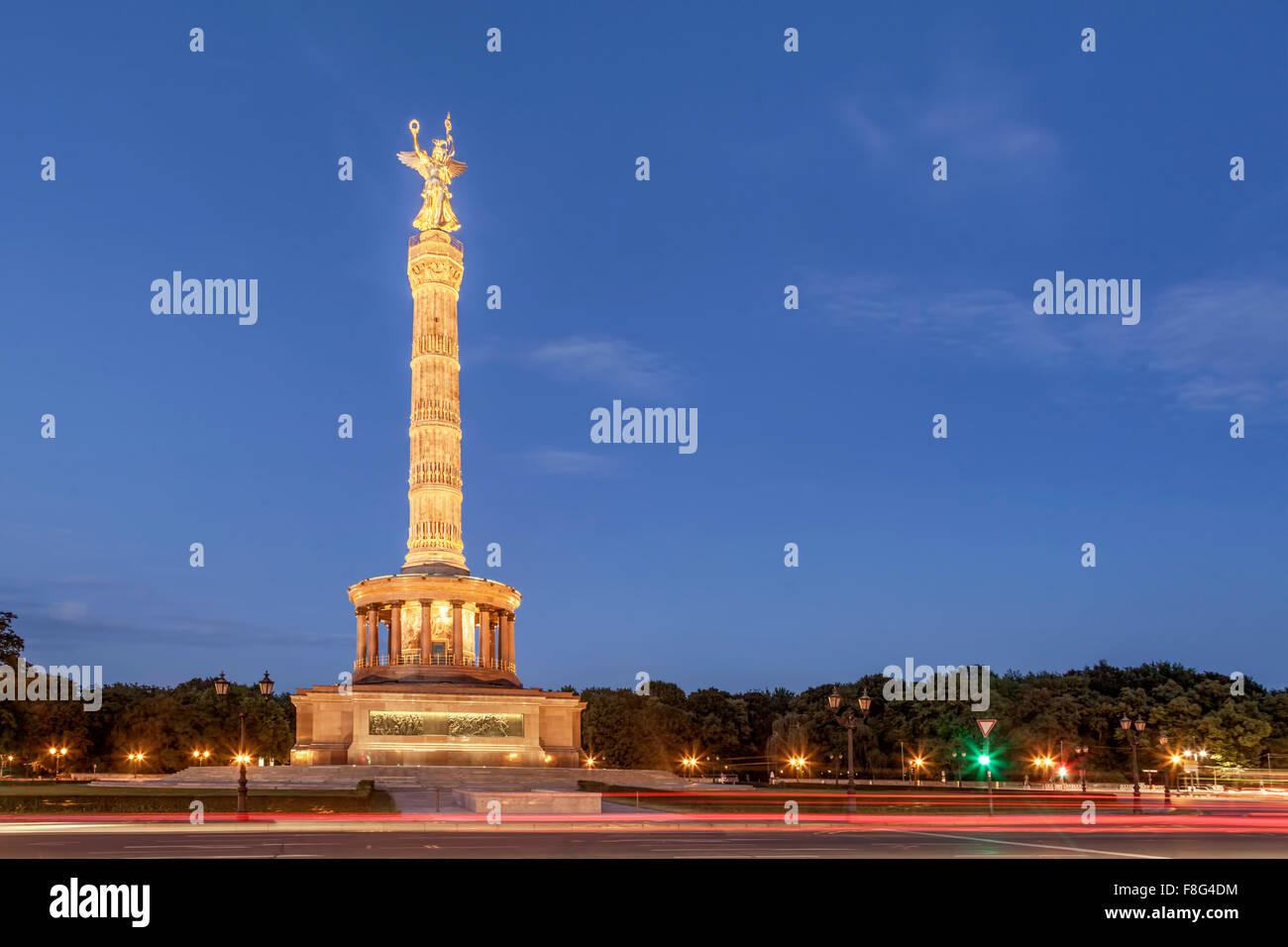 Victory Column at Twilight, Tiergarten, Berlin - Stock Image