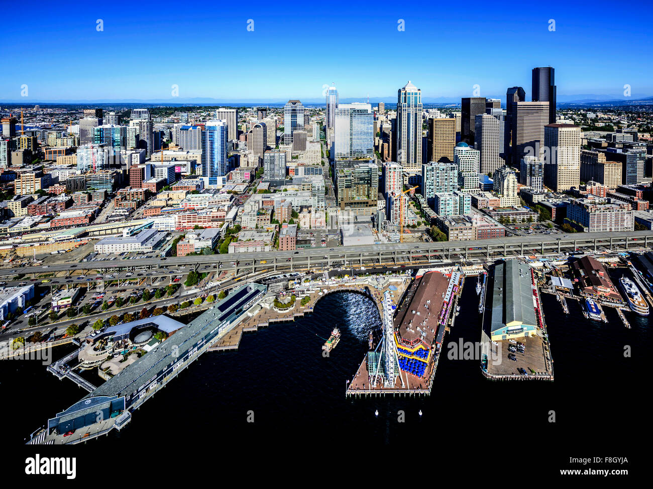 Aerial view of Seattle waterfront and cityscape, Washington, United States - Stock Image