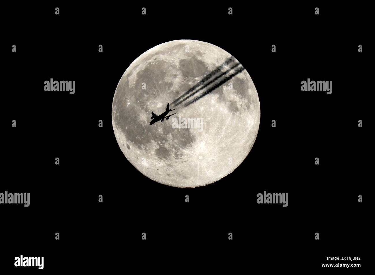 astronomy, astronomer, stargazer, astrophoto, moon, airplane, full moon, space, sky - Stock Image