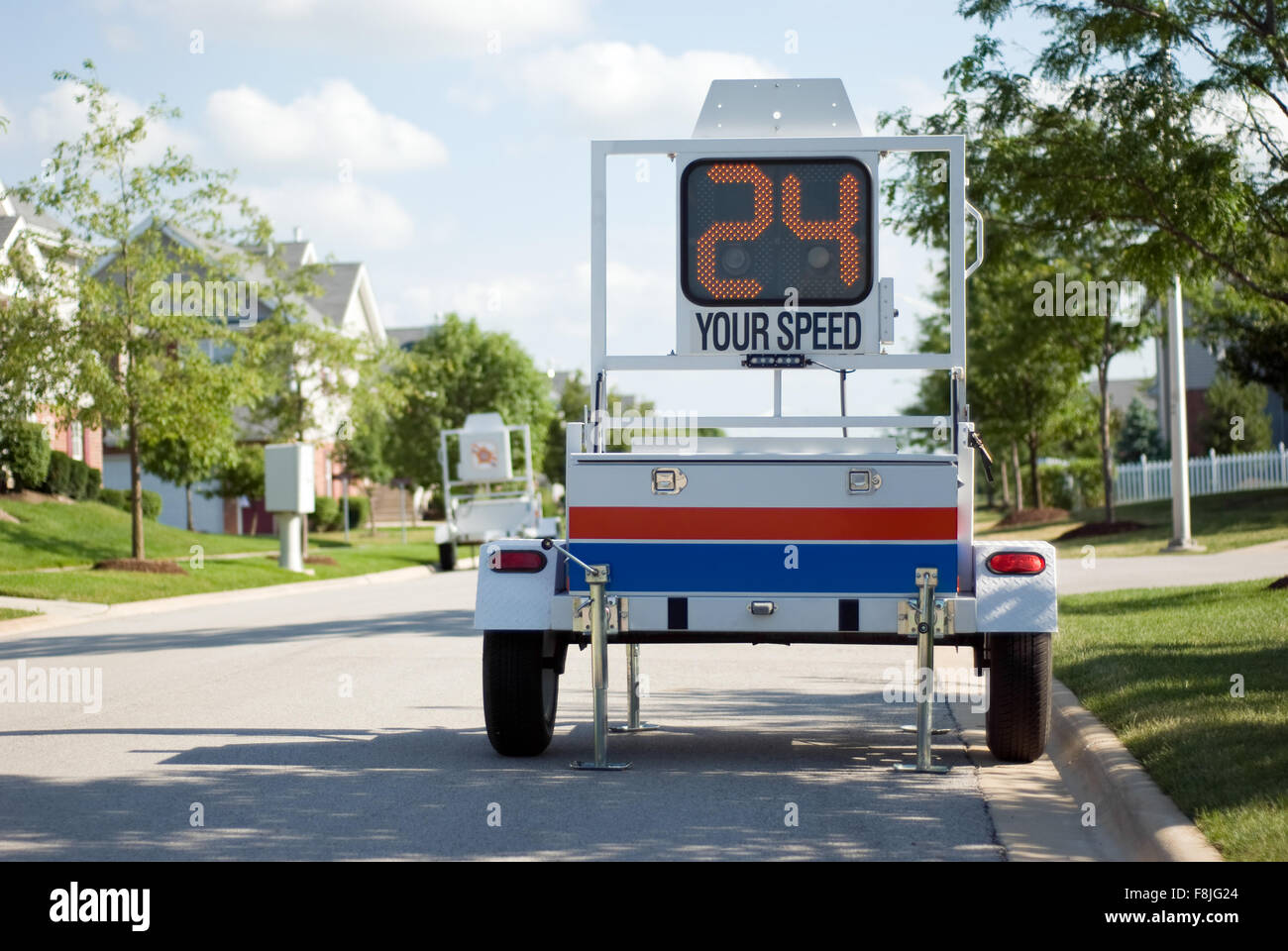 police mobile radar speed trailer picture of a mobile police radar stock photo 91376828 alamy. Black Bedroom Furniture Sets. Home Design Ideas