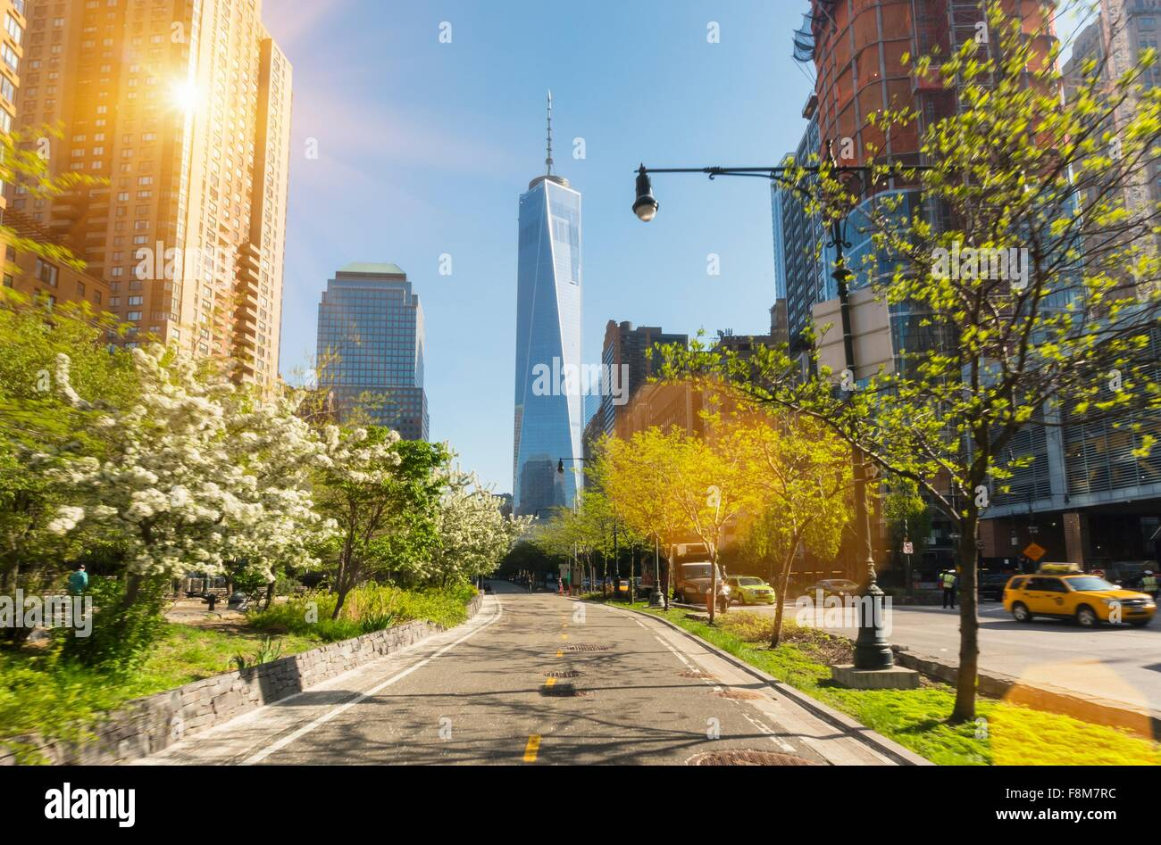 Manhattan financial district cycle path and One World Trade Center, New York, USA - Stock Image