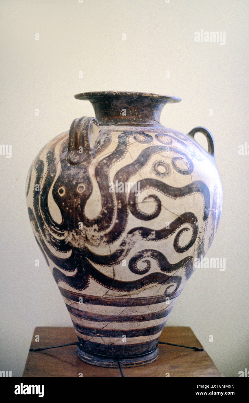 Mycenaean Octopus Vase or Antique Greek Vase with Octopus Design (c14th BC) from Mycenae Greece - Stock Image