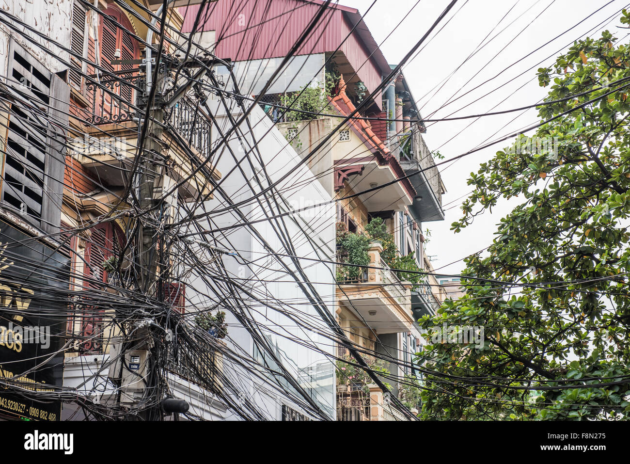 electric wiring wires messy mess stock photos electric wiring rh alamy com