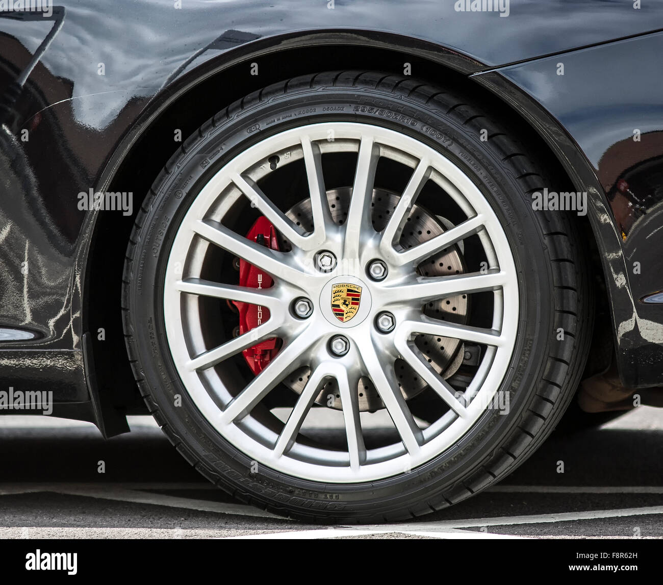 Porsche wheel and tyre - Stock Image