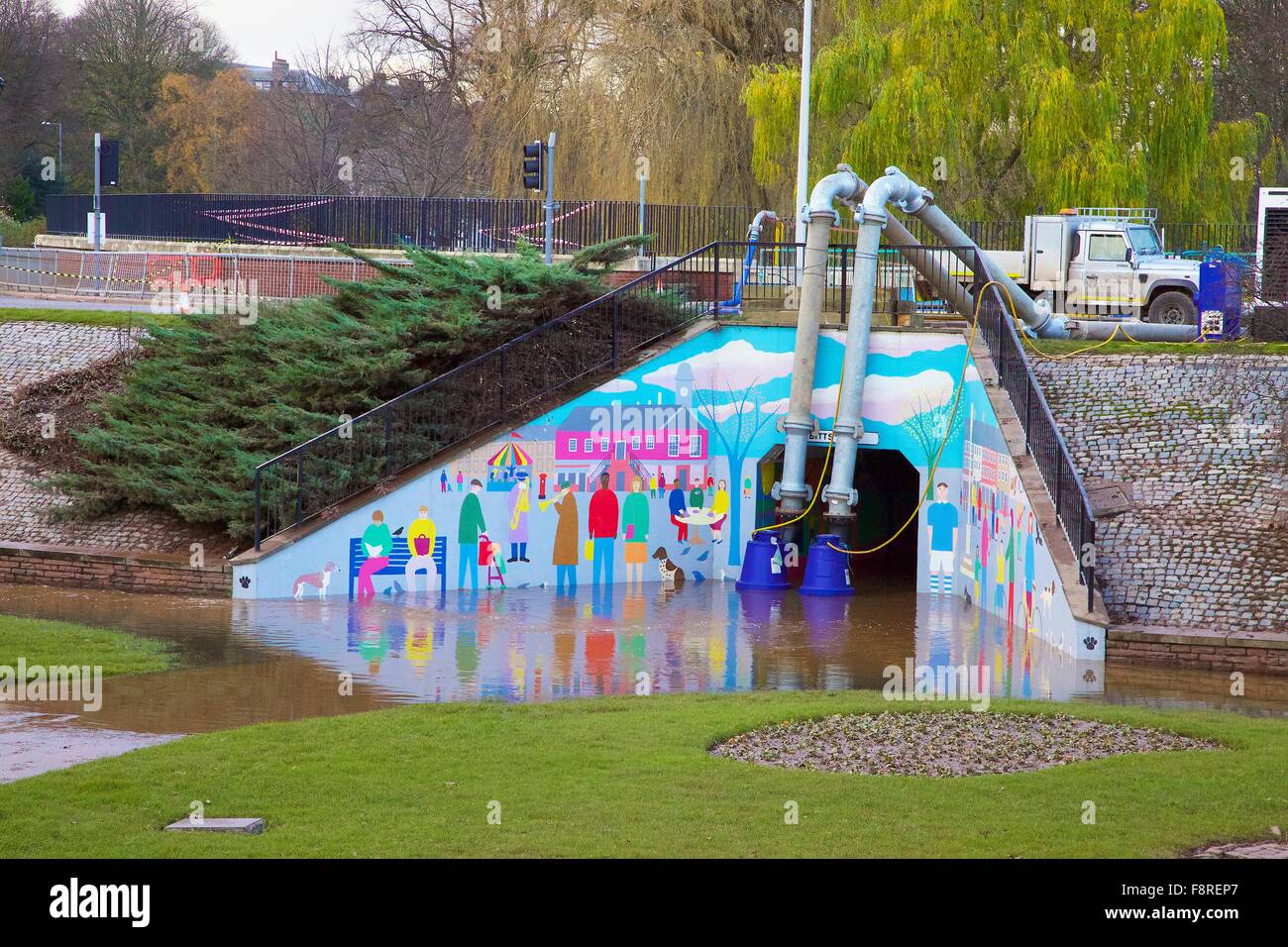 Carlisle Floods. December 2015. Pumping flood water out of Hardwick Circus underpass. Storm Desmond caused severe - Stock Image