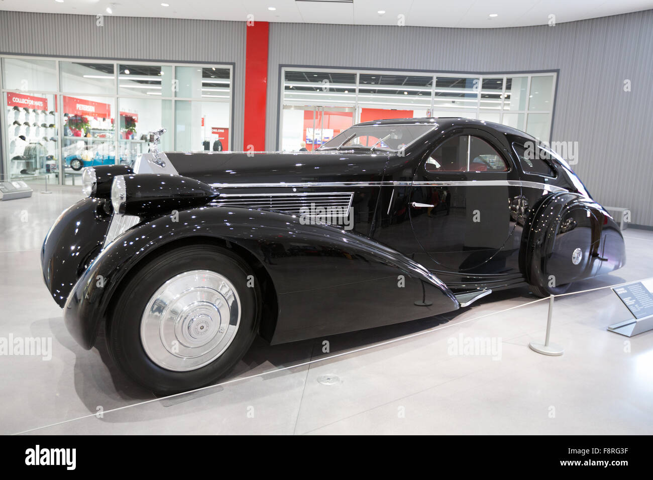 The Round Door Rolls a 1925 Rolls Royce Phantom I Aerodynamic Coupe re-bodied with round doors by Jonckheere in 1934 on displa & The Round Door Rolls a 1925 Rolls Royce Phantom I Aerodynamic Coupe ...
