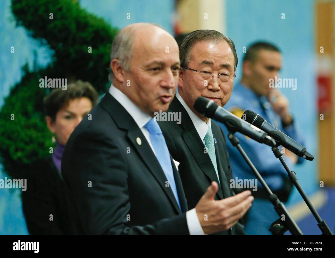 (151211) -- PARIS, Dec. 11, 2015 (Xinhua) -- French Foreign Minister and President of Paris Climate Conference Laurent - Stock Image
