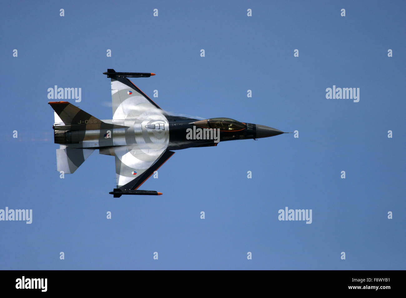General Dynamics F-16 Fighting Falcon at UK air show. - Stock Image