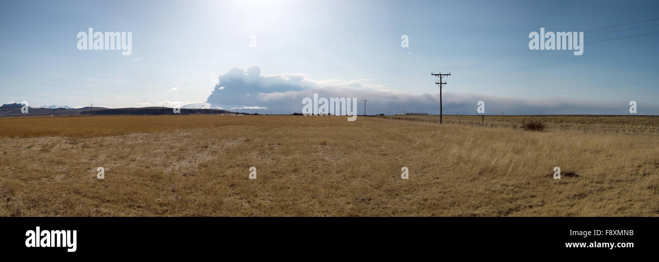 Eyjafjallajokull volcano and ash cloud - Stock Image