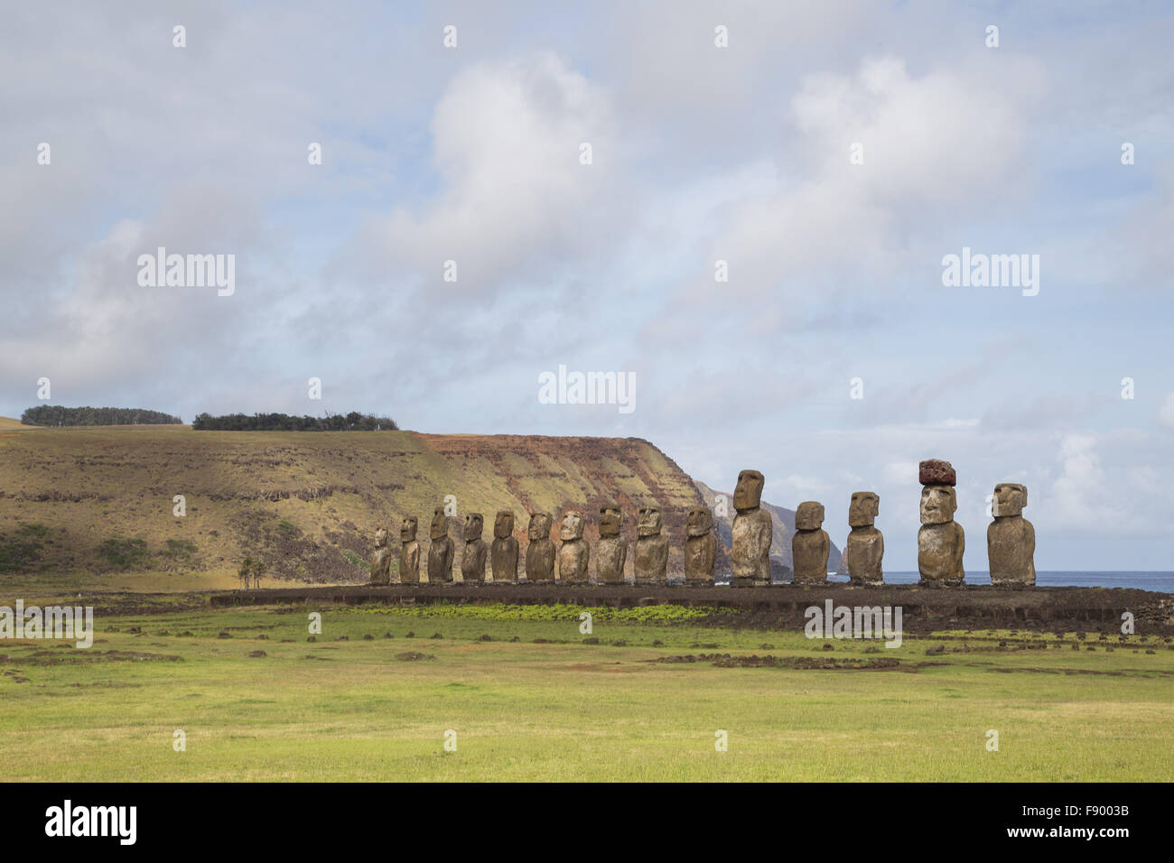 Photograph of the 15 moais at Ahu Tongariki on Easter Island in Chile. - Stock Image