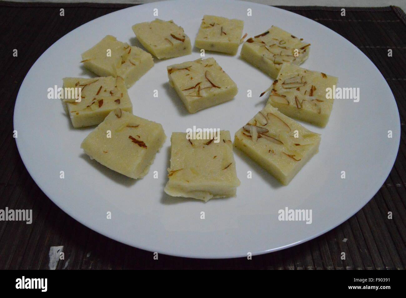 Indian food cooking paneer butter palak paneer sahi paneer stock indian food cooking paneer butter palak paneer sahi paneer paneer tikka kheer samosa pakora aaloo tikki forumfinder Choice Image