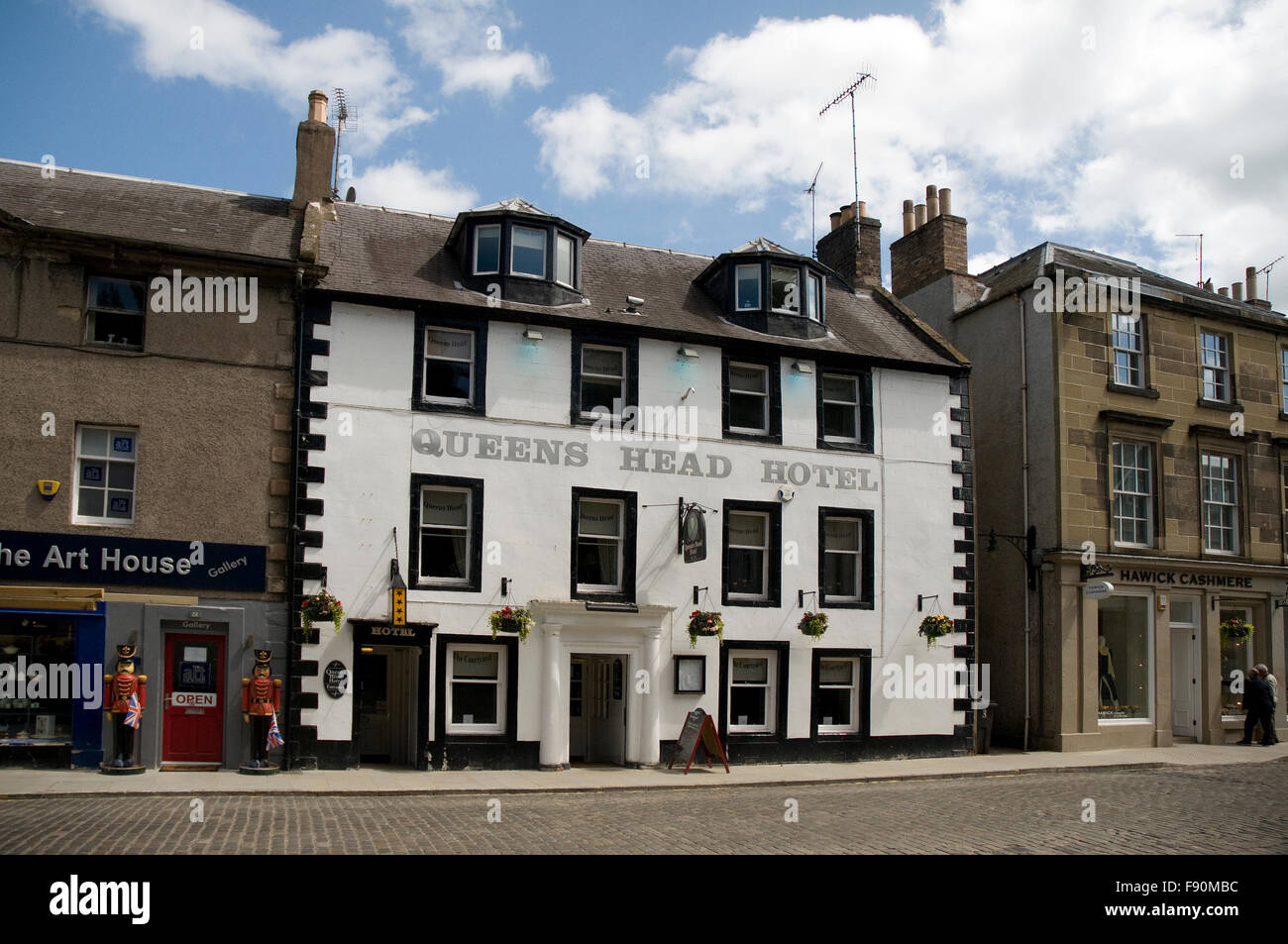 Queens Head Hotel, Bridge Street, Kelso, Roxburghshire, Scotland - Stock Image