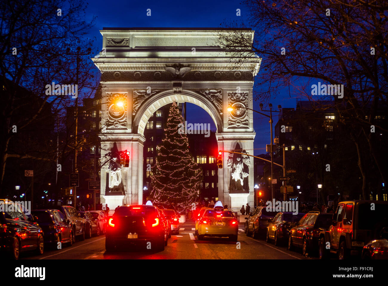 New York, NY - 12 December 2015 - Christmas tree under the Washington Square Arch in Greenwich Village ©Stacy - Stock Image