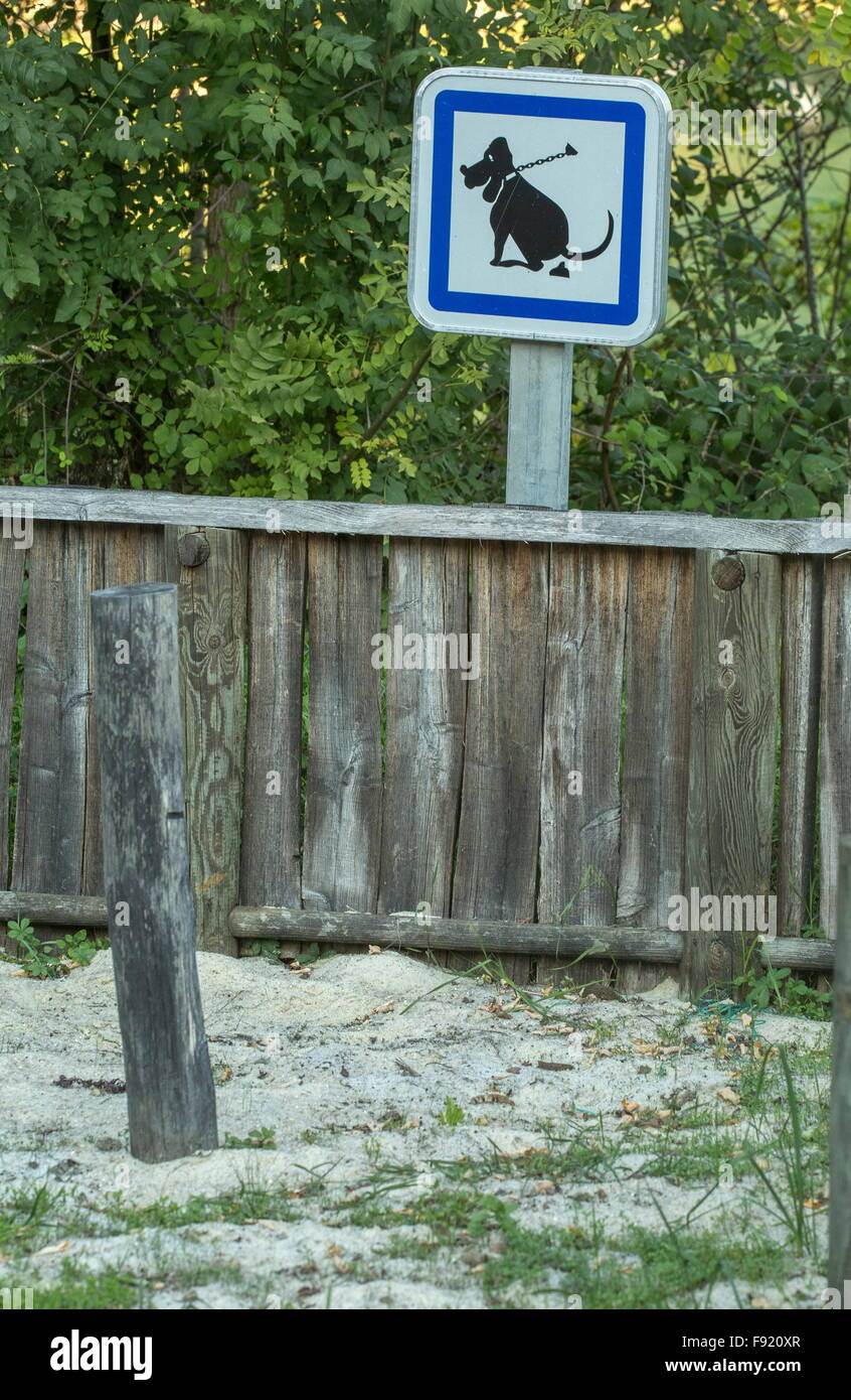 Clear up after your dog sign, France. - Stock Image
