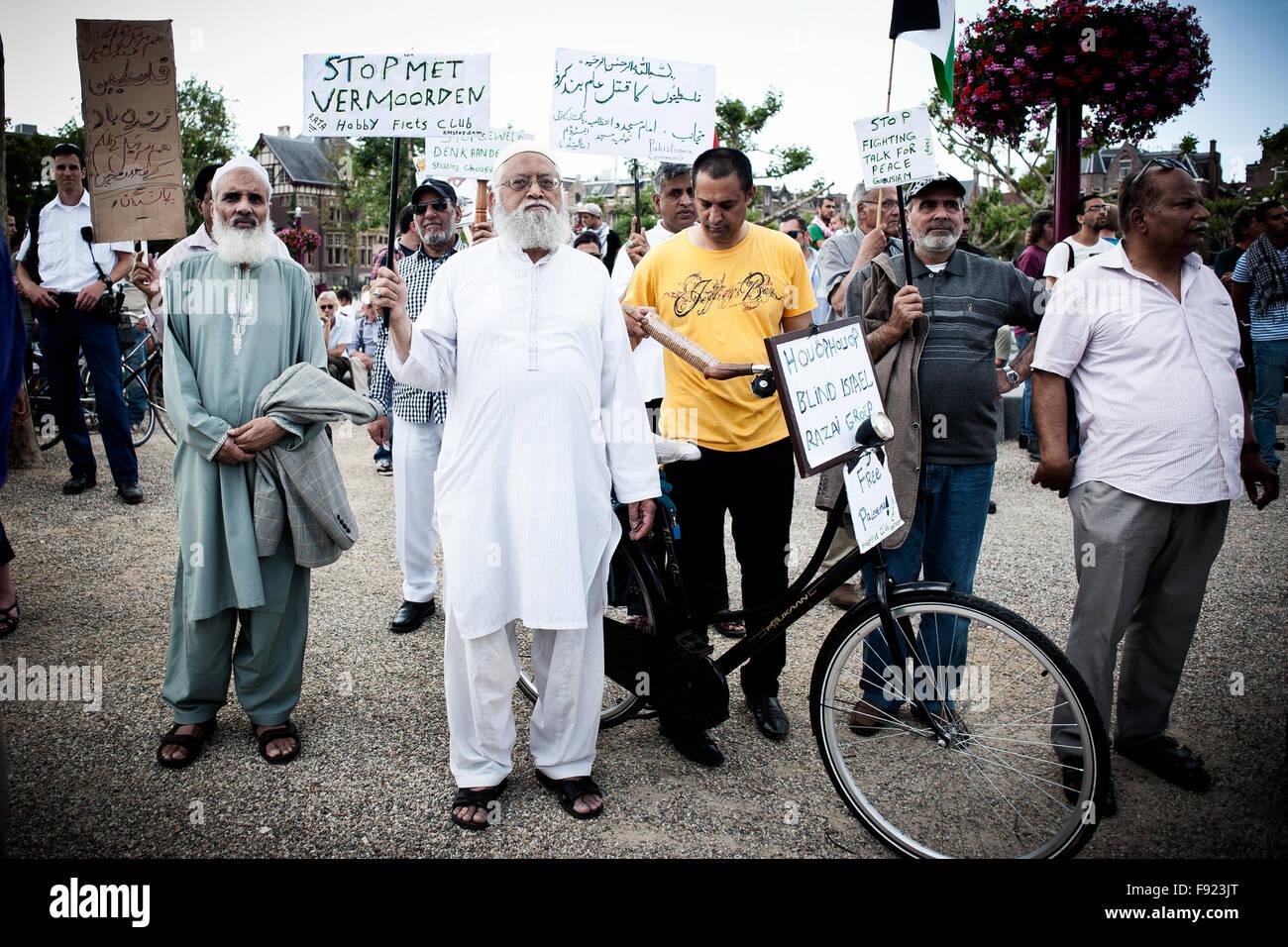 Amsterdam Demonstration Free Palestine 2014 - Stock Image