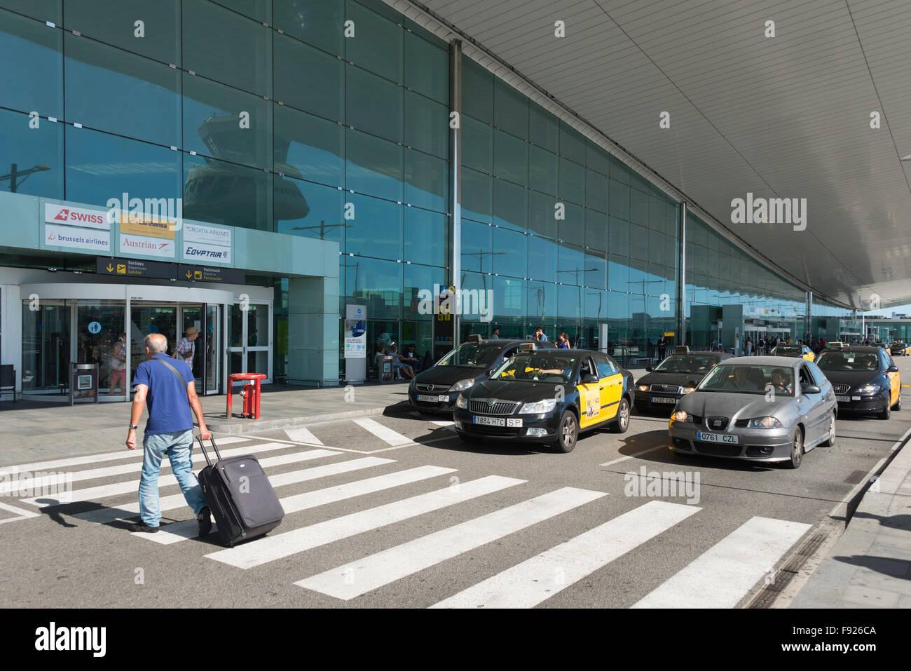 Departure level at Barcelona–El Prat Airport, El Prat de Llobregat, Baix Llobregat County, Catalonia, Spain - Stock Image