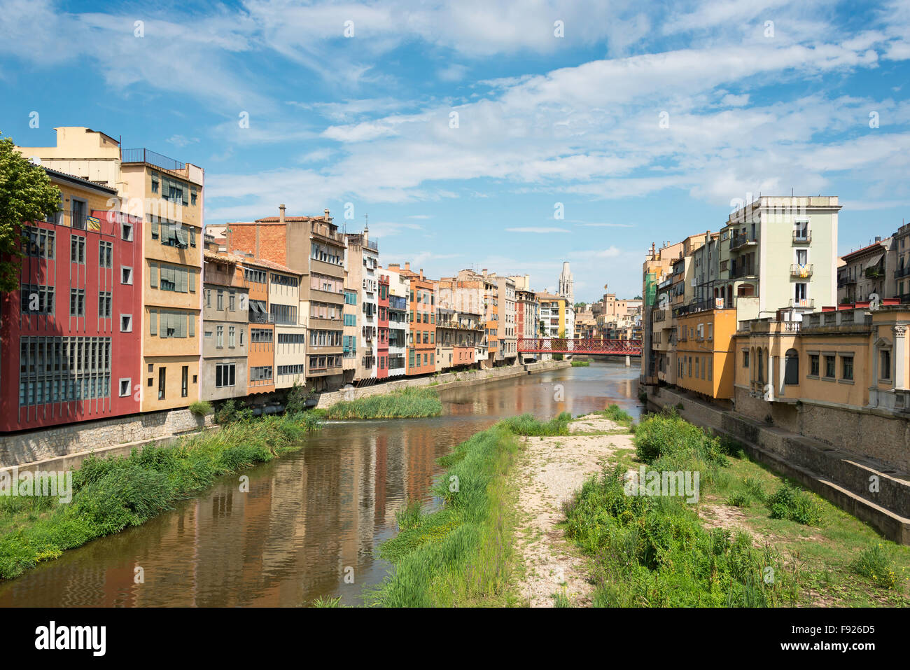 Onyar River and Old Town, Girona (Gerona), Province of Girona, Catalonia, Spain Stock Photo