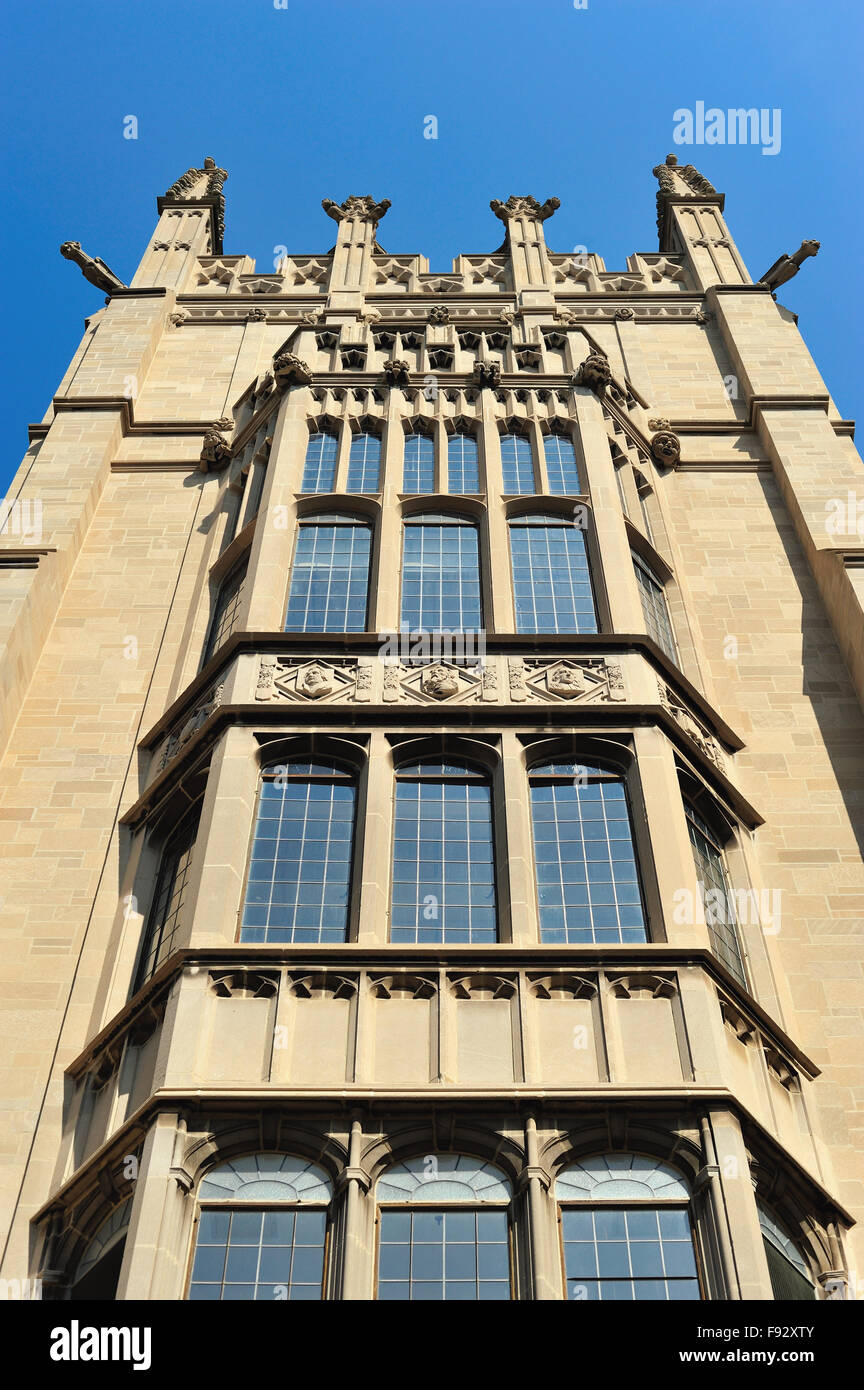Smith Tower on the campus of Northwestern University in the Chicago suburb of Evanston, Illinois, USA. - Stock Image