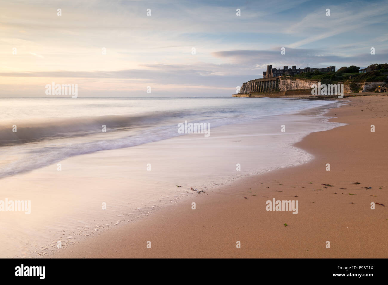Sunrise view of Kingsgate Castle on the cliffs at Kingsgate Bay, Broadstairs, Kent. - Stock Image