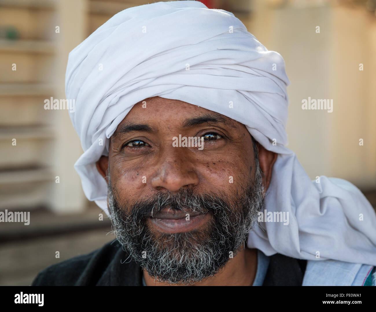 Sadhu with a white turban, Pushkar, Rajasthan, India - Stock Image
