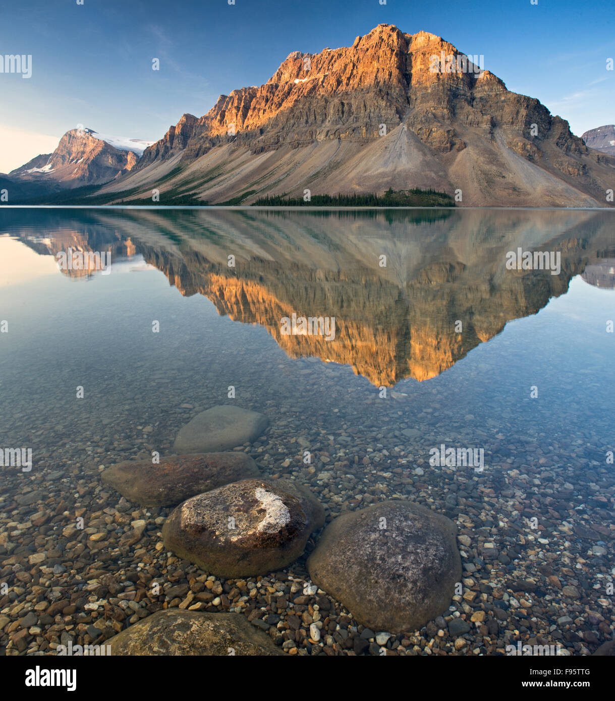 Mount Crowfoot at Bow Lake, Banff National Park, Alberta, Canada - Stock Image