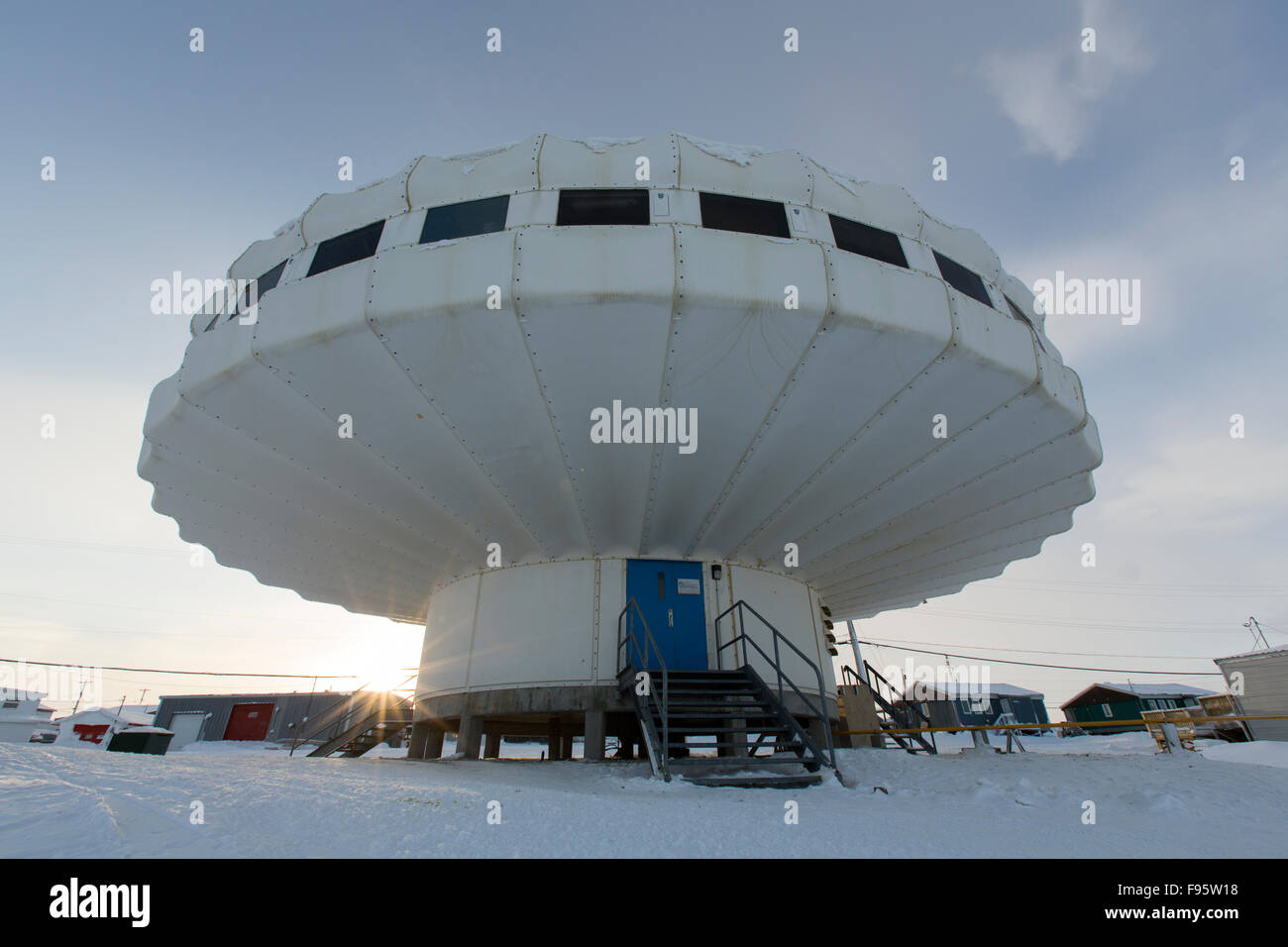 A government research centre in Igloolik, Nunavut, Canada. - Stock Image