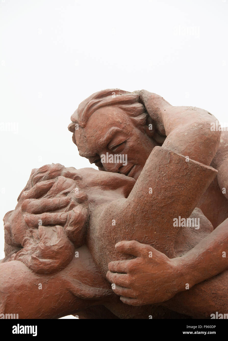 The Kiss, sculpture by Víctor Delfín in Miraflores suburb, Lima, Peru - Stock Image