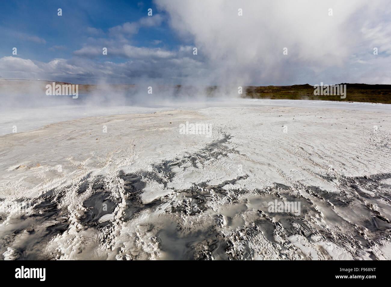 Silica deposits and minerals, Gunnuhver hot spring, Reykjanes Peninsula, Iceland - Stock Image