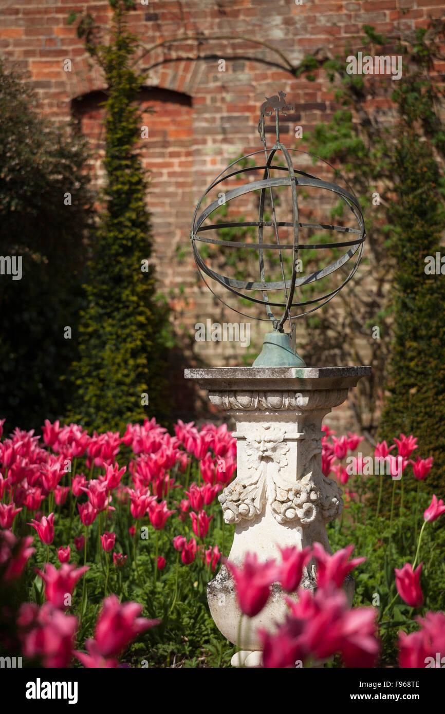 Decorative Garden Feature Stock Photos & Decorative Garden Feature ...