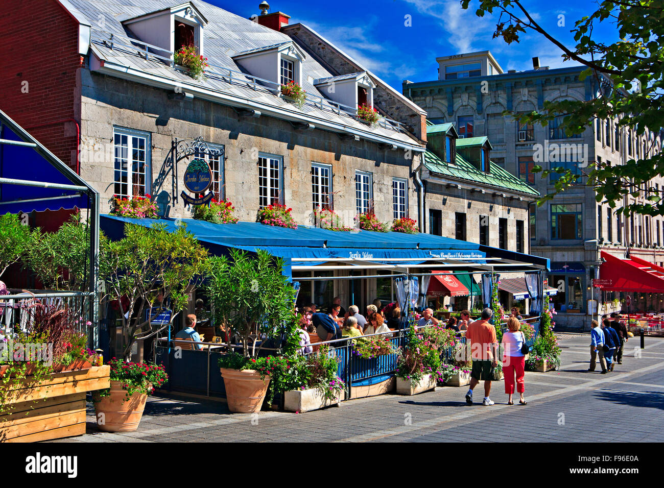 Restaurants lining Place JacquesCartier in Old Montreal, Montreal, Quebec, Canada. - Stock Image