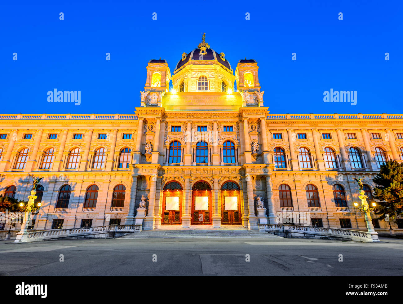 Vienna, Austria. Beautiful view of famous Naturhistorisches Museum (Natural History Museum) with park Maria-Theresien - Stock Image