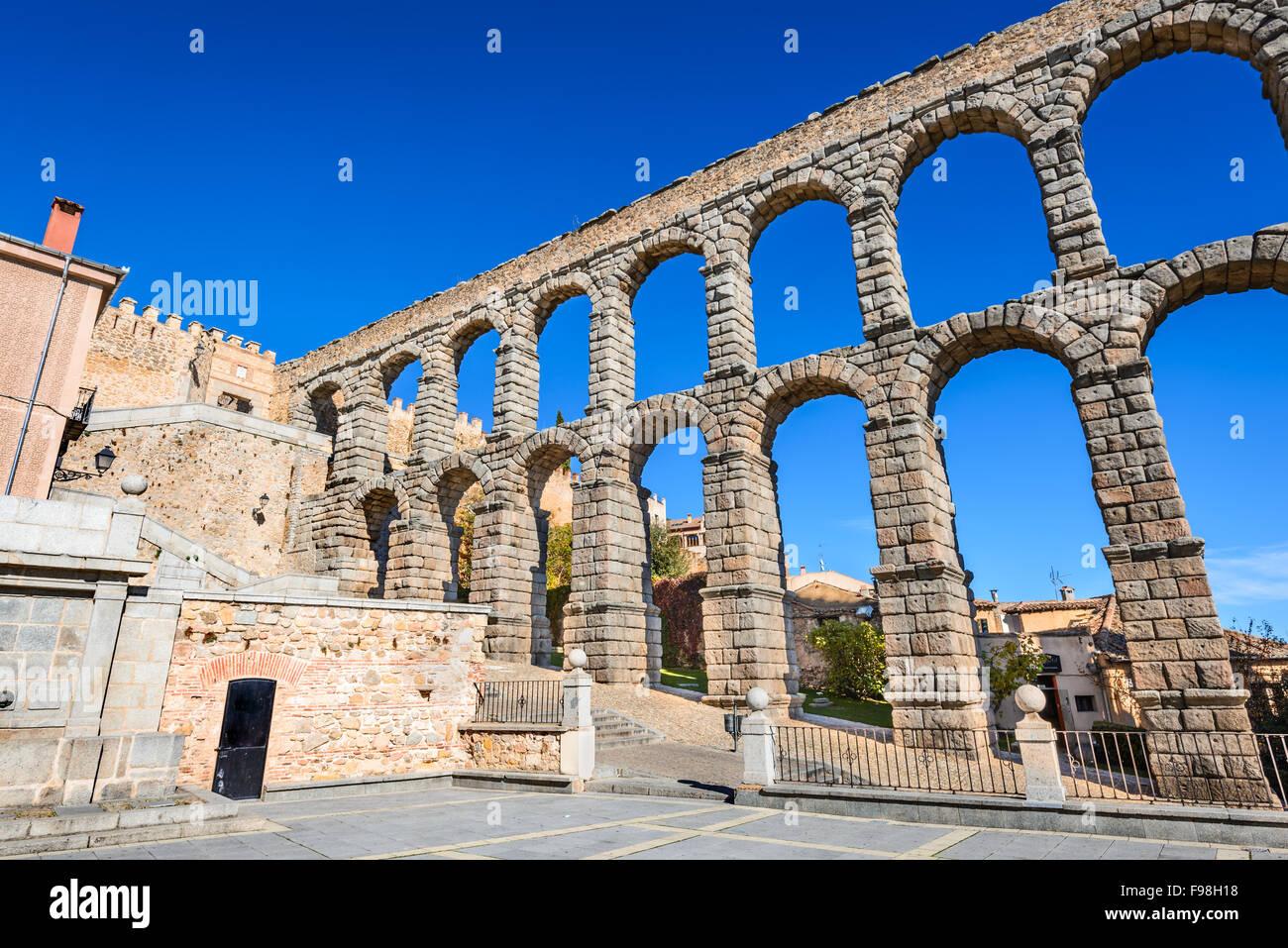 Segovia, Castilla y Leon. Roman aqueduct bridge of Segovia in Castile, Spain. - Stock Image