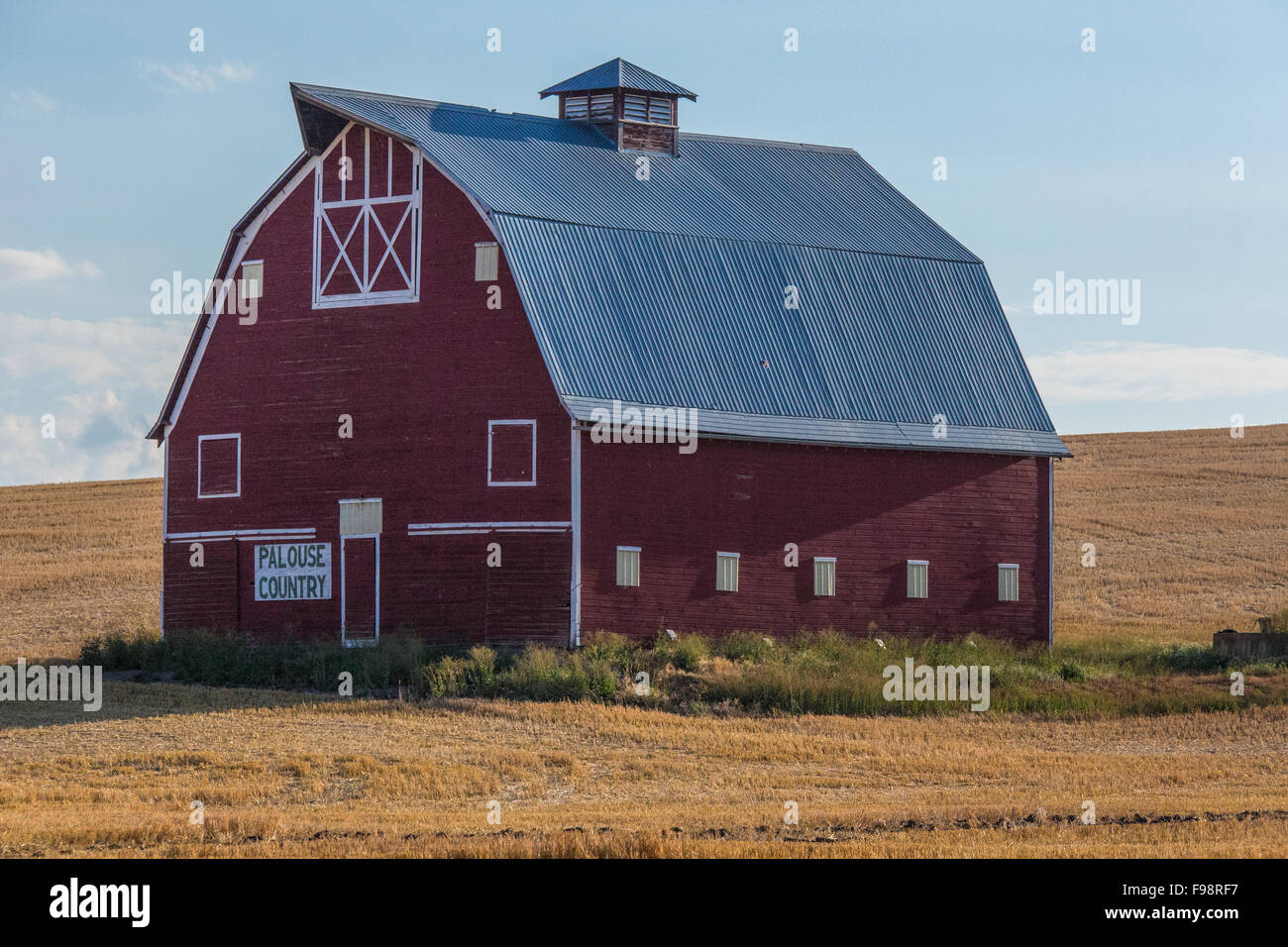 Red Barn Hip Roof In Rural Pasture Land Of Palouse Washington Sign Stock Photo Alamy
