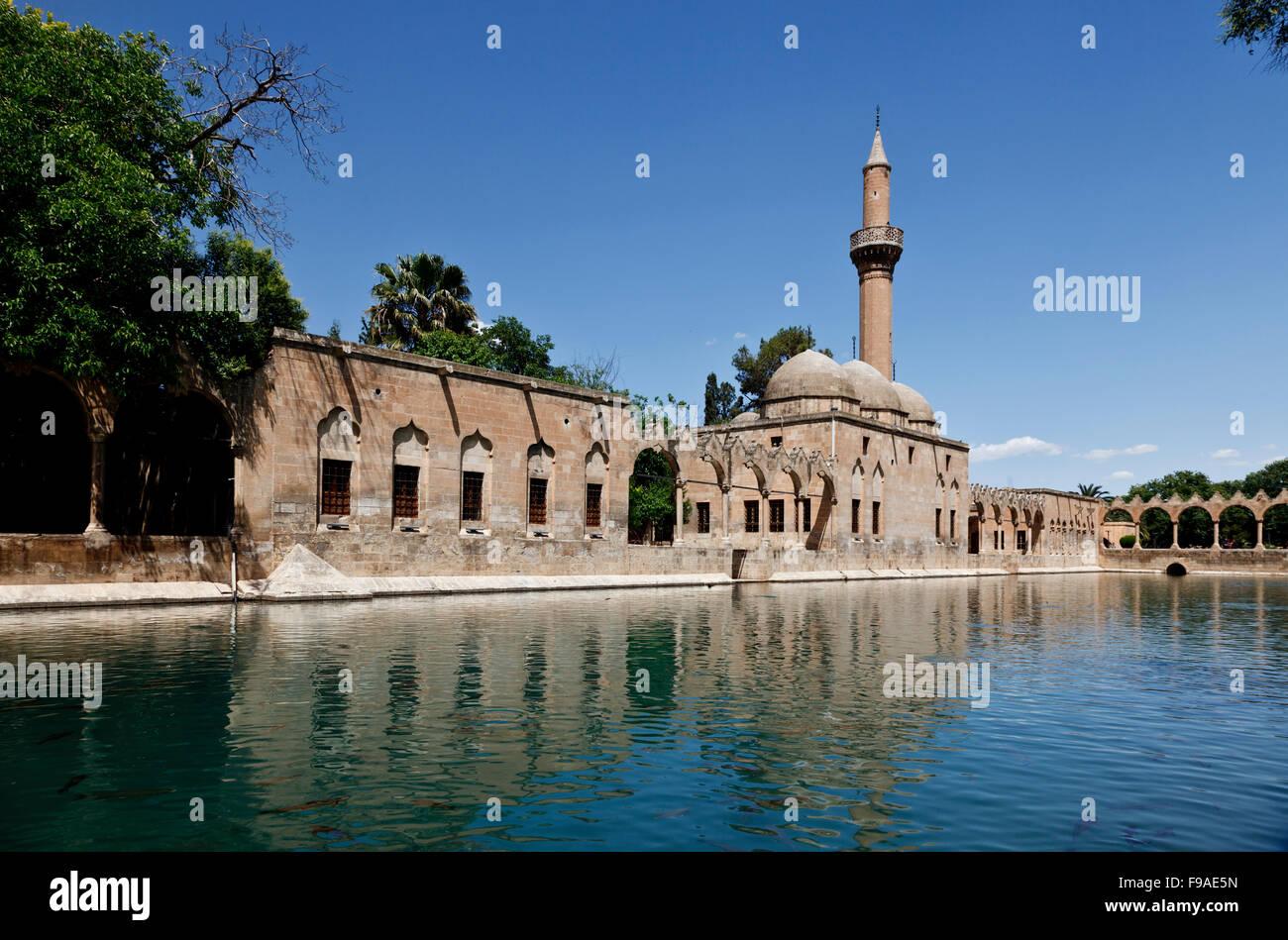Halil-ur Rahman Mosque and Holy Lake, Baliklikoy, Sanliurfa, Turkey - Stock Image