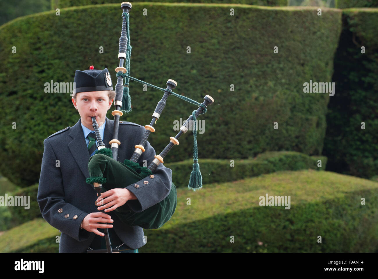 Playing Bagpipes Stock Photos & Playing Bagpipes Stock