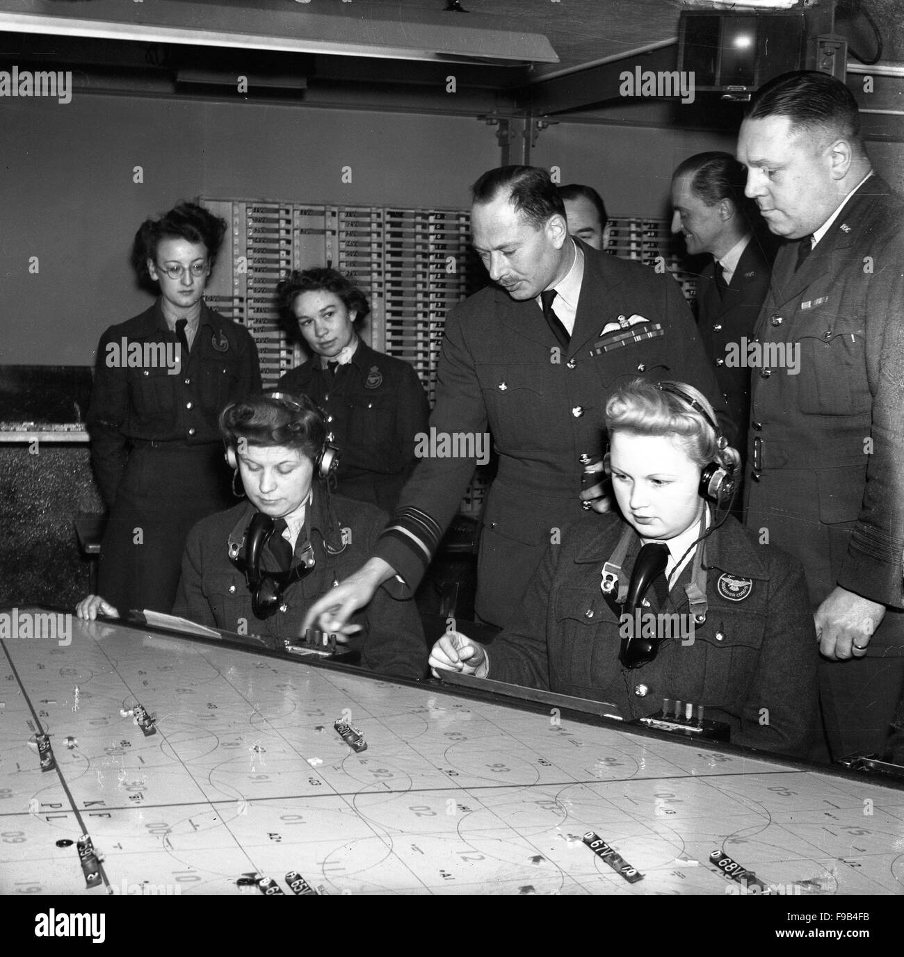 Prince Henry, Duke of Gloucester visiting Royal Observer Corps in Coventry 1946 - Stock Image